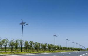 Postes Solares en Calles y Caminos